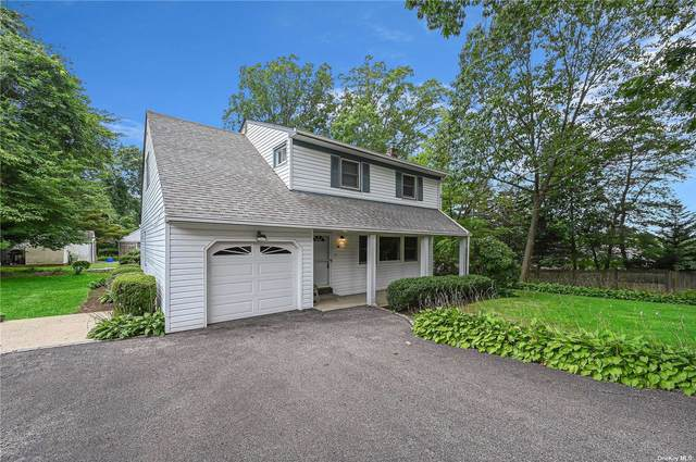 64 E 24th Street, Huntington Sta, NY 11746 (MLS #3334783) :: Signature Premier Properties