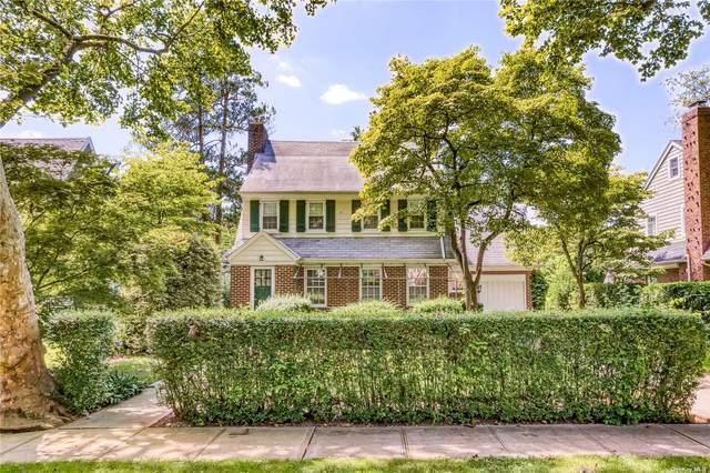 24 Jefferson Street, Garden City, NY 11530 (MLS #3334887) :: Signature Premier Properties