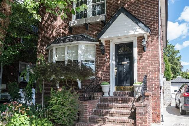 103 Piccadilly Dwns, Lynbrook, NY 11563 (MLS #3335371) :: Frank Schiavone with Douglas Elliman