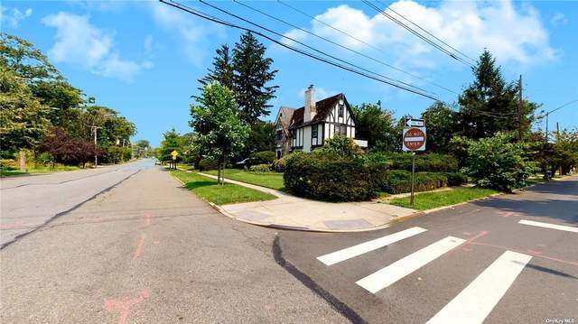 17610 Murdock Avenue, Addisleigh Park, NY 11434 (MLS #3335448) :: The Clement, Brooks & Safier Team