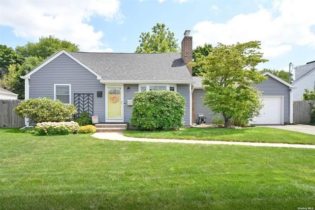77 Foster Boulevard, Babylon, NY 11702 (MLS #3335527) :: Signature Premier Properties
