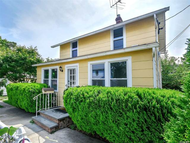 12 Smull Place, Port Washington, NY 11050 (MLS #3335613) :: The Clement, Brooks & Safier Team