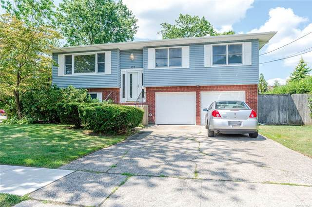 620 N Dyre Avenue, West Islip, NY 11795 (MLS #3335694) :: The Clement, Brooks & Safier Team