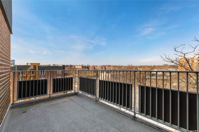 23-20 Bell Boulevard 6E, Bayside, NY 11360 (MLS #3335770) :: Signature Premier Properties