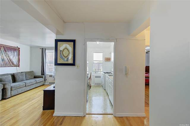 88-01 35th Avenue 5F, Jackson Heights, NY 11372 (MLS #3335856) :: Laurie Savino Realtor