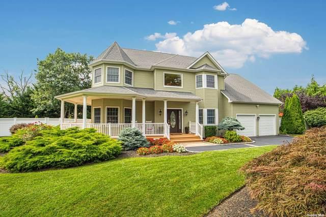 17 Gibbons Court, Sayville, NY 11782 (MLS #3336527) :: Carollo Real Estate