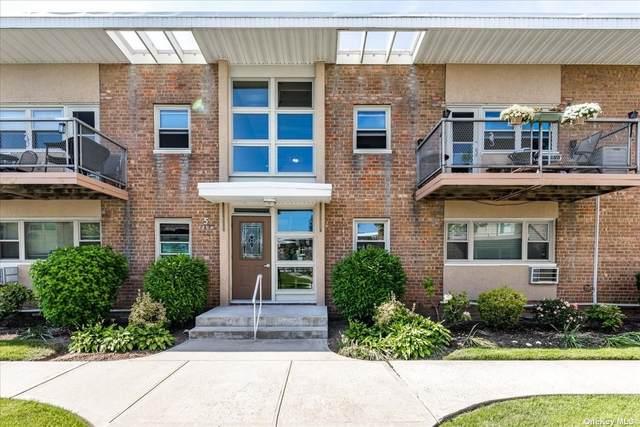 4 Rose Street 5-H2, Oceanside, NY 11572 (MLS #3338909) :: McAteer & Will Estates | Keller Williams Real Estate