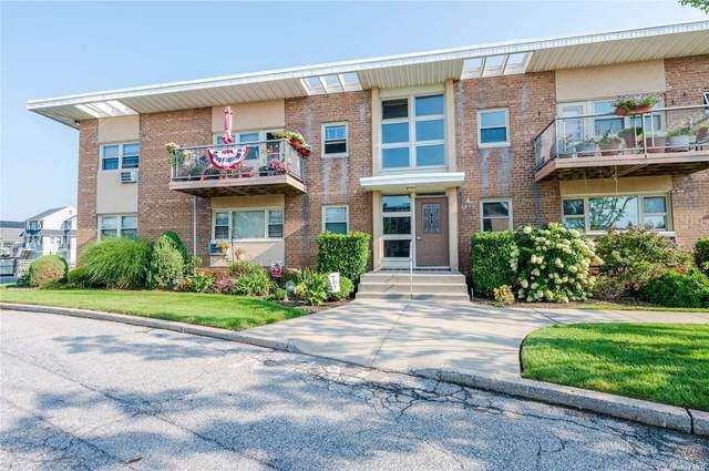 4 Rose Street 4-B2, Oceanside, NY 11572 (MLS #3341700) :: McAteer & Will Estates | Keller Williams Real Estate