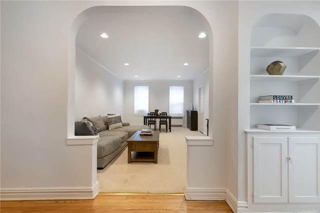 21 Barstow Road 2E, Great Neck, NY 11021 (MLS #3343397) :: Cronin & Company Real Estate
