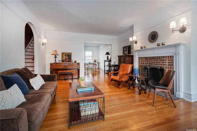35-45 87 Street, Jackson Heights, NY 11372 (MLS #3343841) :: Goldstar Premier Properties