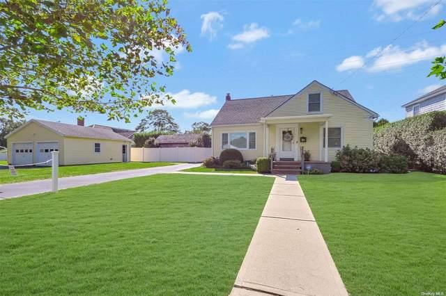 15 Willis Street, Southampton, NY 11968 (MLS #3344167) :: Cronin & Company Real Estate