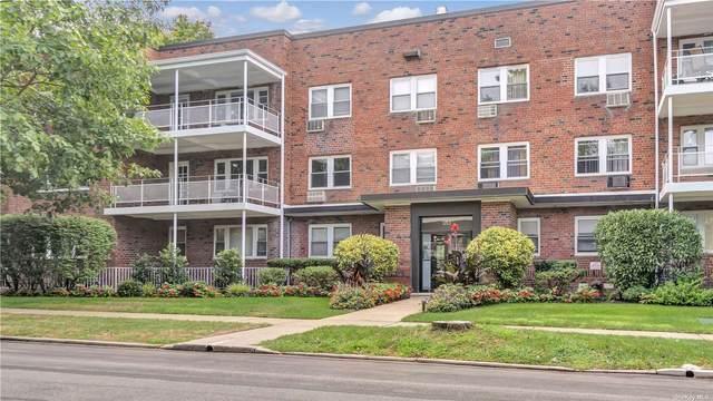 20 Hillpark Avenue 2B, Great Neck, NY 11021 (MLS #3344545) :: Laurie Savino Realtor