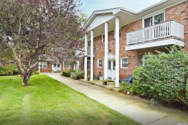 207 Fairharbor Drive #207, Patchogue, NY 11772 (MLS #3345140) :: McAteer & Will Estates   Keller Williams Real Estate