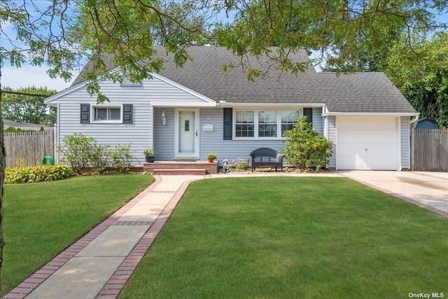 9 Harwick Road, Westbury, NY 11590 (MLS #3345972) :: Cronin & Company Real Estate