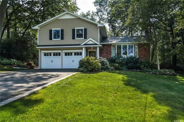 10 Monett Place, Greenlawn, NY 11740 (MLS #3346060) :: Cronin & Company Real Estate