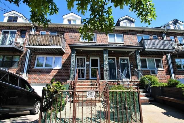 69-03 Juniper S Boulevard, Middle Village, NY 11379 (MLS #3346103) :: Carollo Real Estate
