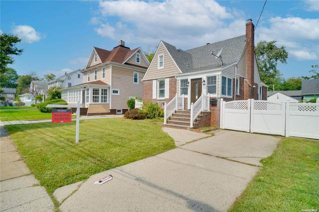 1043 Lakeside Place, Baldwin, NY 11510 (MLS #3346164) :: The Home Team
