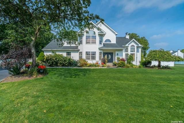 17 Jacobsen Court, Medford, NY 11763 (MLS #3346370) :: McAteer & Will Estates | Keller Williams Real Estate