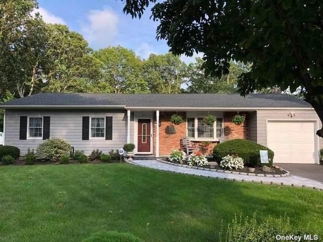 211 Maple Street, Medford, NY 11763 (MLS #3346382) :: McAteer & Will Estates | Keller Williams Real Estate