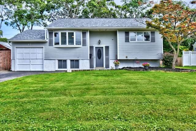 63 Broadway Avenue, Sayville, NY 11782 (MLS #3346404) :: McAteer & Will Estates | Keller Williams Real Estate