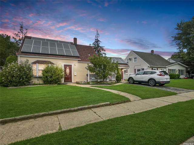20 Surrey Lane, Levittown, NY 11756 (MLS #3347312) :: McAteer & Will Estates   Keller Williams Real Estate