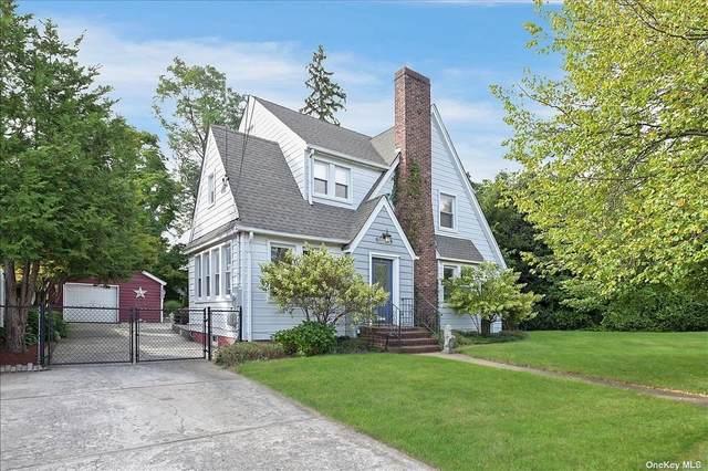 8 Meade Street, Hempstead, NY 11550 (MLS #3347509) :: Barbara Carter Team