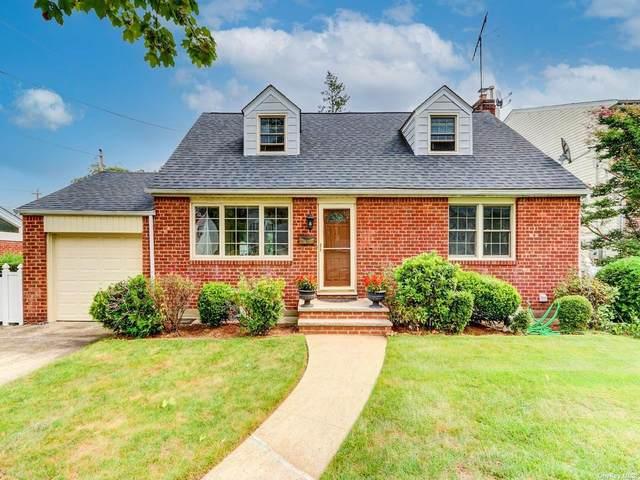 3 Chaffee Avenue, Albertson, NY 11507 (MLS #3347724) :: Kendall Group Real Estate | Keller Williams