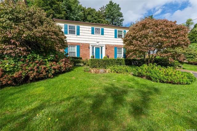 196 Cow Neck Road, Port Washington, NY 11050 (MLS #3347745) :: Signature Premier Properties