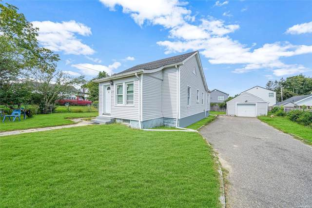 235 Irving Street, Central Islip, NY 11722 (MLS #3347864) :: Signature Premier Properties