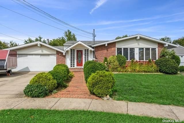 67 Pickwick Drive, Hicksville, NY 11801 (MLS #3347912) :: Signature Premier Properties
