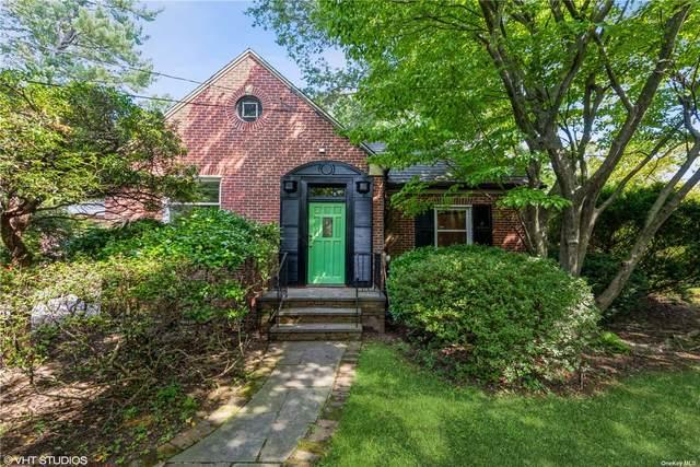 111 Walnut Road, Glen Cove, NY 11542 (MLS #3348141) :: Carollo Real Estate