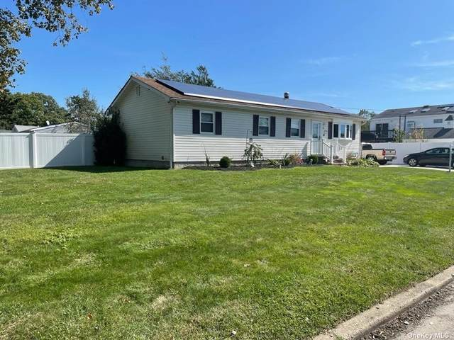 15 Armstrong Street, Brentwood, NY 11717 (MLS #3348405) :: Goldstar Premier Properties