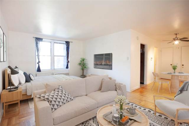 8337 Saint James 1J, Elmhurst, NY 11373 (MLS #3348456) :: Mark Boyland Real Estate Team