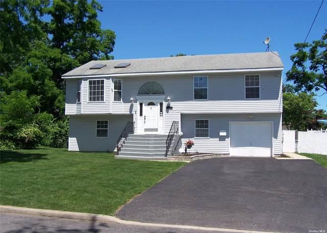 107 Greenwood Road, Bay Shore, NY 11706 (MLS #3348524) :: Howard Hanna Rand Realty