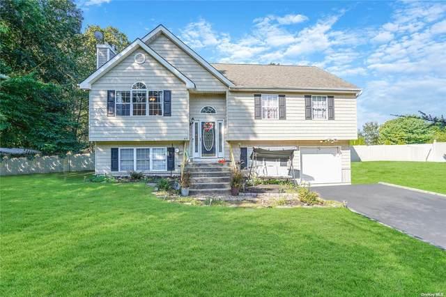69 E Greentree Drive, Medford, NY 11763 (MLS #3348629) :: Corcoran Baer & McIntosh