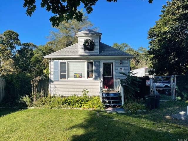 44 Lincoln Boulevard, East Moriches, NY 11940 (MLS #3349704) :: Signature Premier Properties