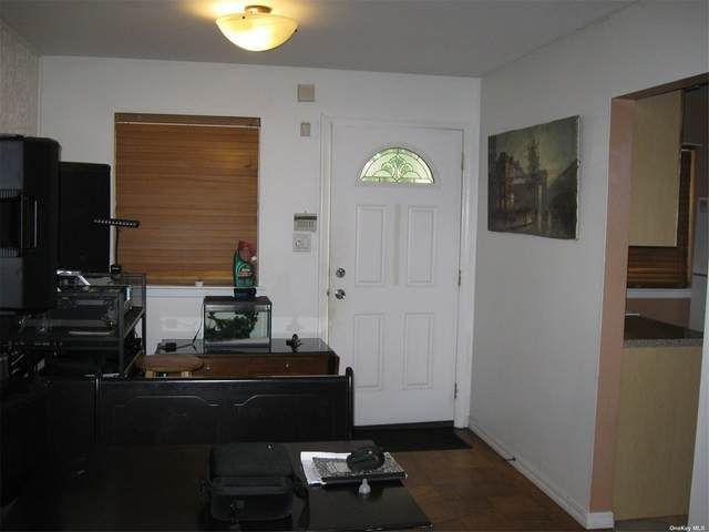 208 Towne House Vlg #208, Hauppauge, NY 11749 (MLS #3349789) :: Keller Williams Points North - Team Galligan