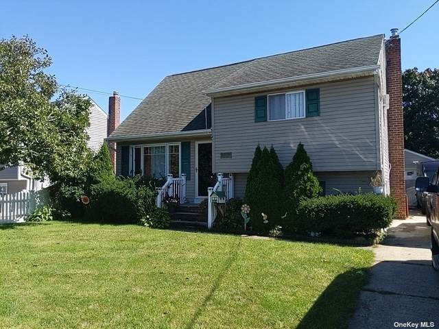 15 East Drive, Copiague, NY 11726 (MLS #3350648) :: Corcoran Baer & McIntosh