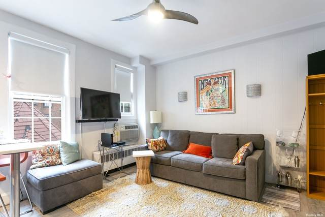 1 Station Square #304, Forest Hills, NY 11375 (MLS #3350843) :: Cronin & Company Real Estate