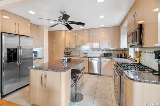 162-01 Powells Cove Boulevard 2G, Beechhurst, NY 11357 (MLS #3351111) :: Cronin & Company Real Estate