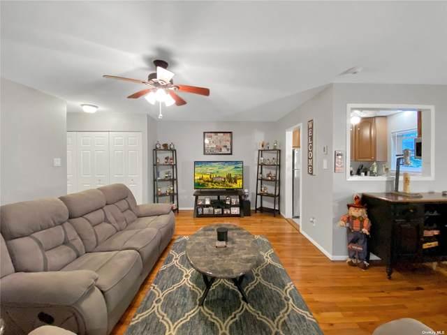 6 Glen Hollow Drive A-5, Holtsville, NY 11742 (MLS #3351253) :: Cronin & Company Real Estate