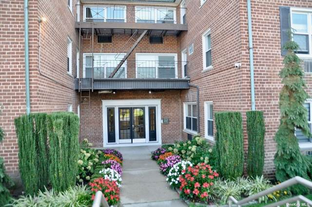 111 S Centre 1UU, Rockville Centre, NY 11570 (MLS #3351570) :: Cronin & Company Real Estate