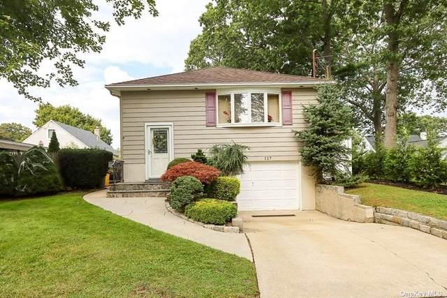 117 Spruce Street, Massapequa Park, NY 11762 (MLS #3351874) :: Signature Premier Properties