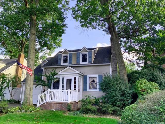 209 Stuyvesant Avenue, Merrick, NY 11566 (MLS #3351938) :: Signature Premier Properties
