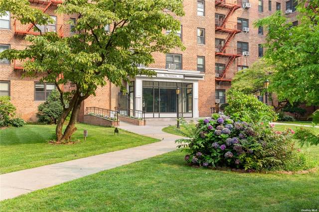 100-11 67th Road #110, Forest Hills, NY 11375 (MLS #3352155) :: Cronin & Company Real Estate