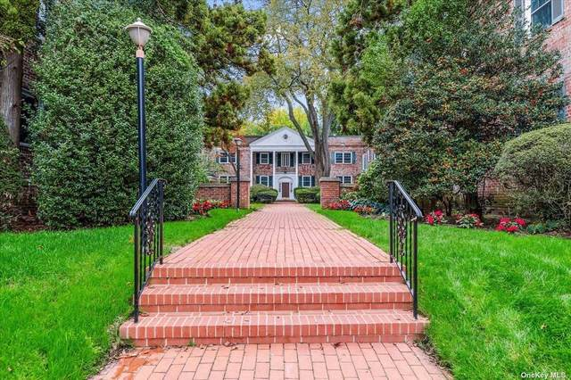 43 N Forest Ave A3, Rockville Centre, NY 11570 (MLS #3352710) :: Signature Premier Properties