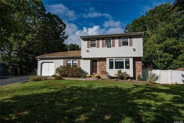 12 Ashford Drive, Ridge, NY 11961 (MLS #3352757) :: Carollo Real Estate