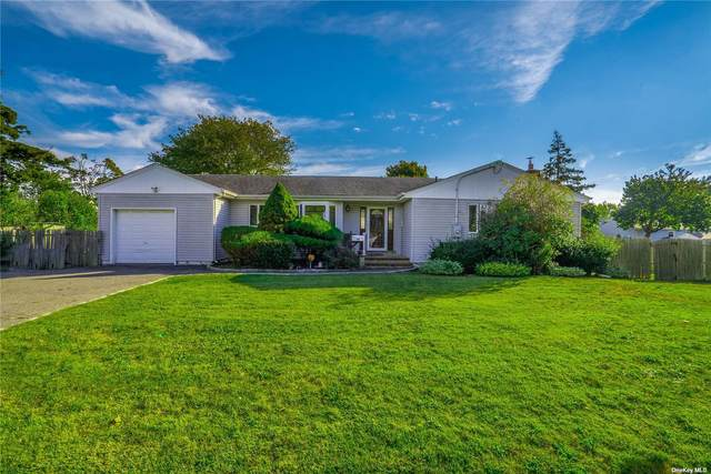 44 Berry Street, Lindenhurst, NY 11757 (MLS #3352909) :: Carollo Real Estate