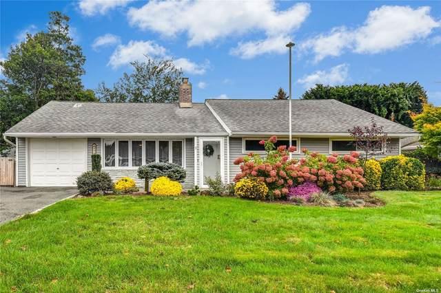 9 Meadow Lane, Rockville Centre, NY 11570 (MLS #3352919) :: Signature Premier Properties
