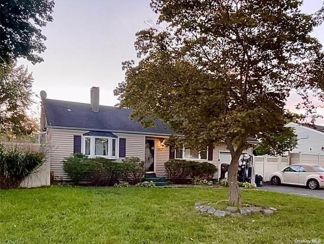3102 Connecticut Avenue, Medford, NY 11763 (MLS #3352965) :: Signature Premier Properties